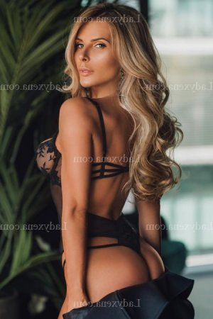 Rouwaida massage escort girl