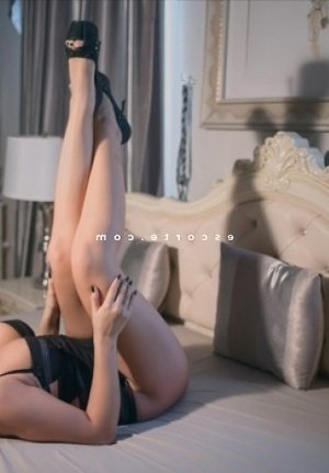 Maissame escorte trans lovesita massage